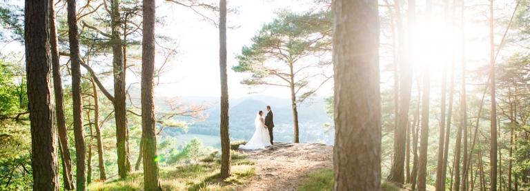 Hochzeitsfotograf Rheinland-Pfalz - Paarportrait im Wald